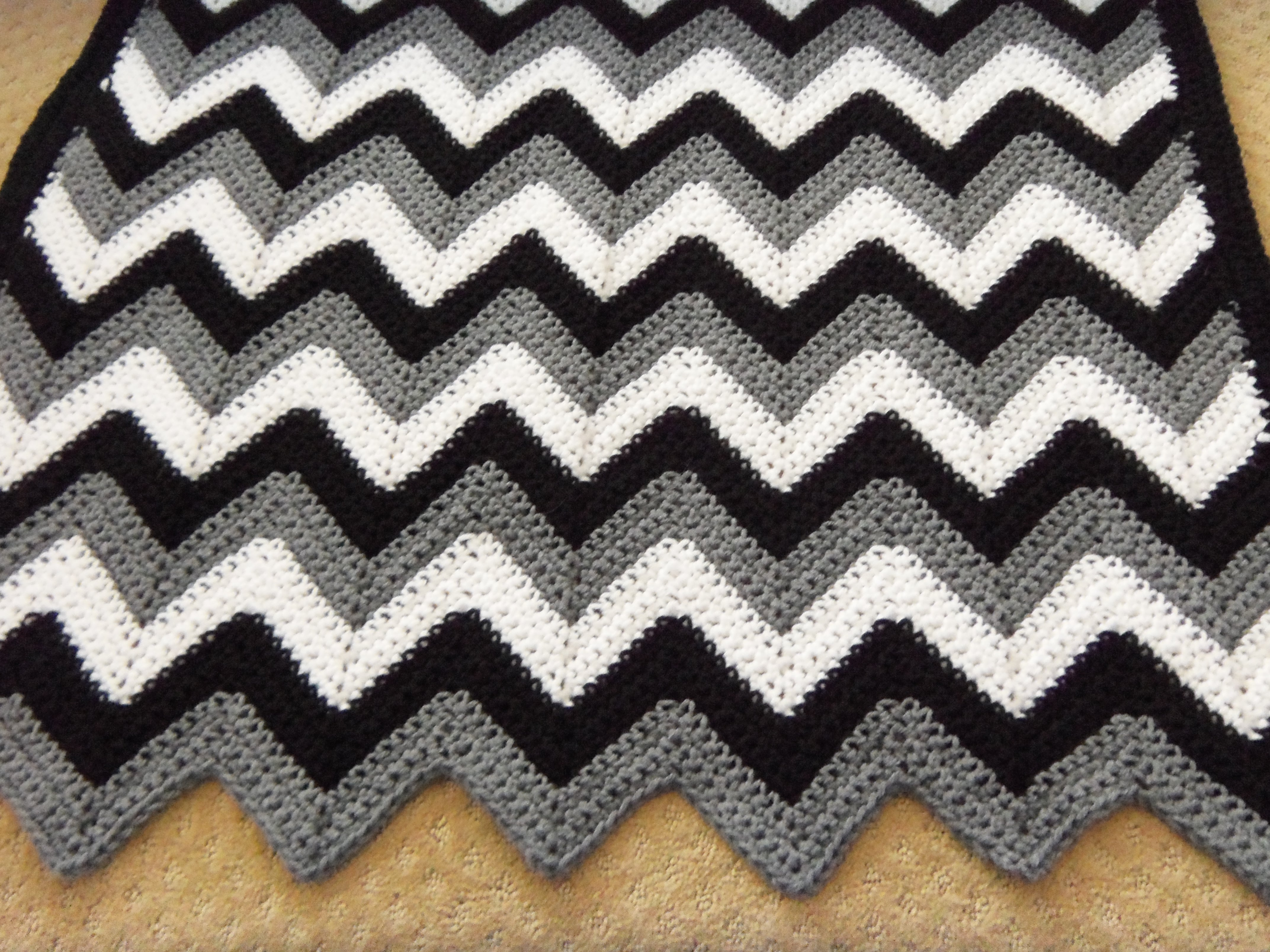 Ripple Knitting Pattern Afghan : 1000+ images about Ripple crochet afgans on Pinterest ...