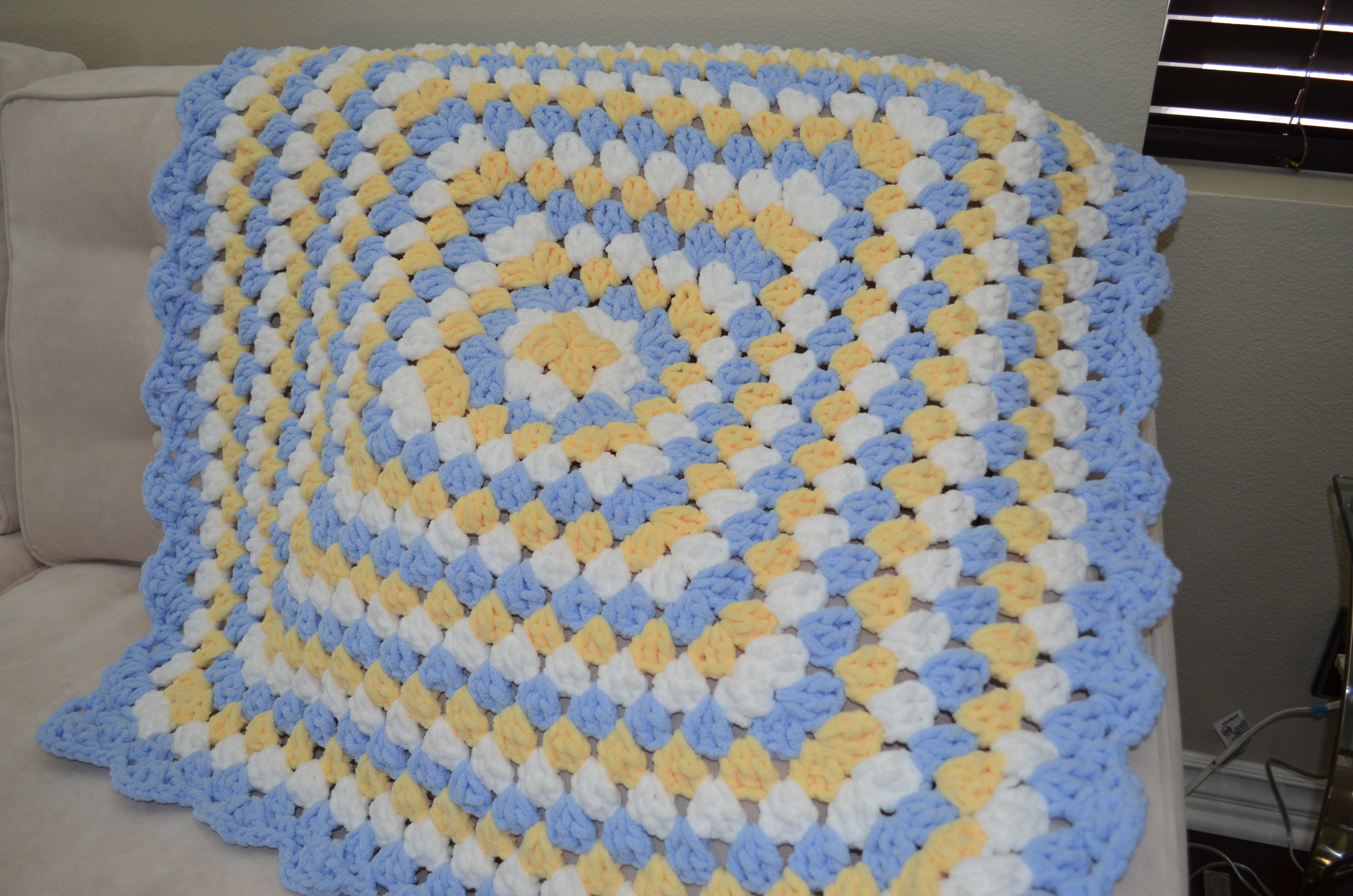 Easy Crochet Granny Square Baby Blanket Pattern : Granny Square Blanket ? Baby Boy Heavenly Mommy